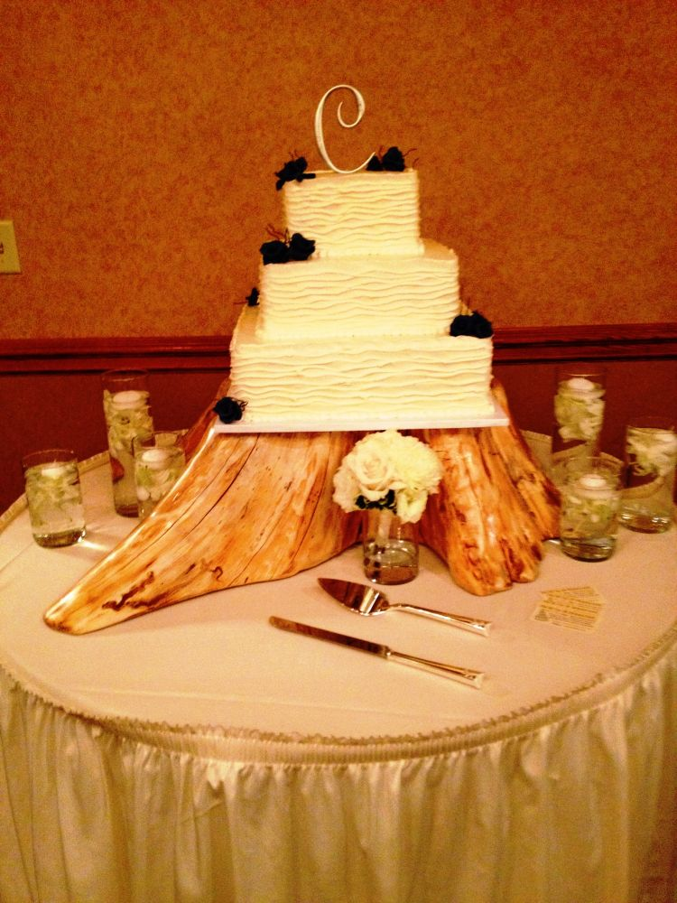 Wedding Cake On Tree Stump